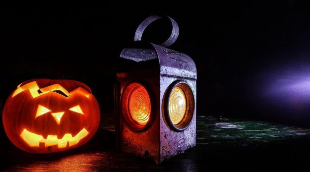 pumpkin lantern - 5 fun ideas for pumpkins this fall