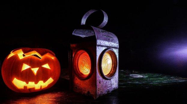 pumpkin lantern - 5 fun ideas for pumpkins this fall