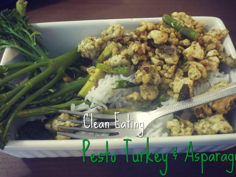 An interesting and delicious new clean eating recipe that mixes things up! This pesto turkey and asparagus is perfect for family meal prep.