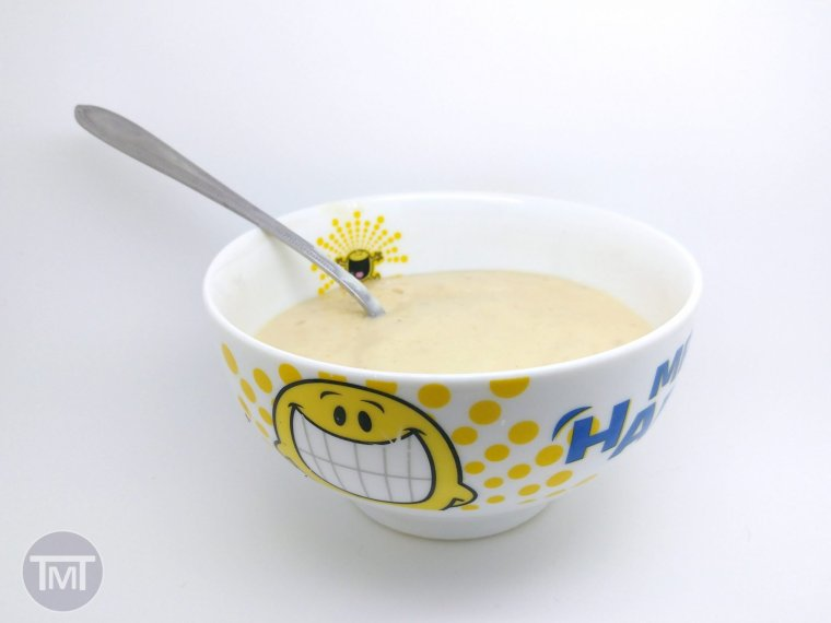 cheats honey and banana breakfast yoghurt
