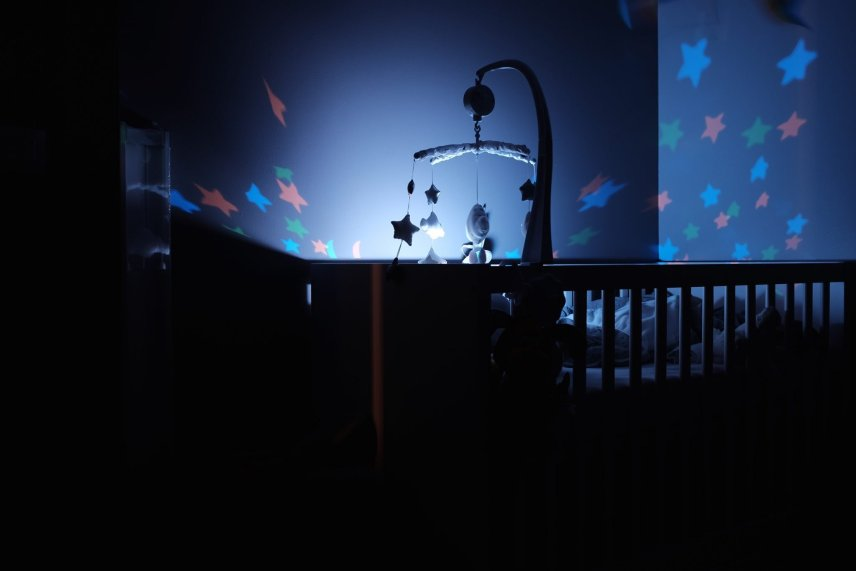 cot with lights change for baby head preference