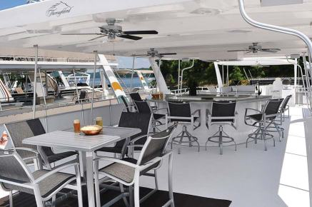 There are few better places for a light lunch or hearty dinner than the deck of an elegant houseboat. (Photo provided)