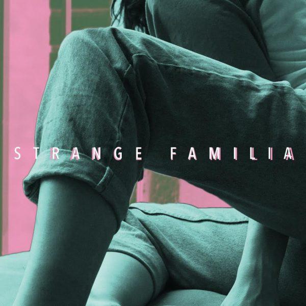 strange-familia