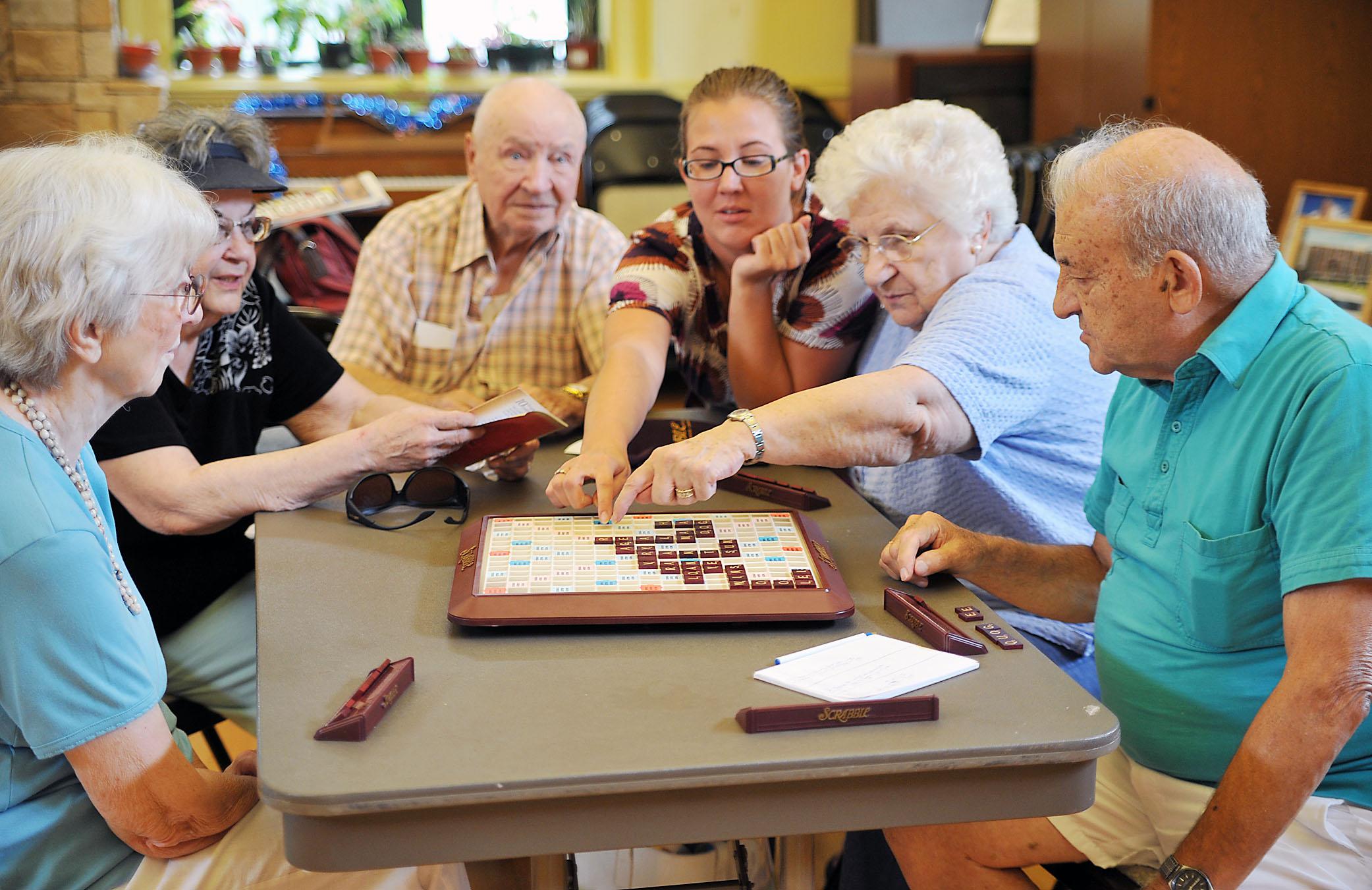 12 Best Brain Stimulating Activities For Seniors