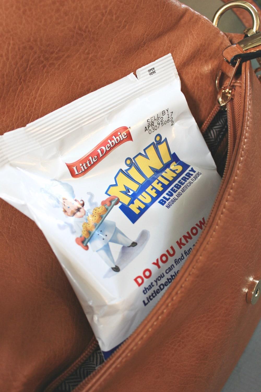 mini muffins in purse