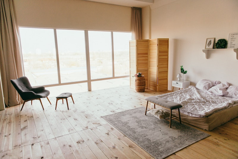 Natural master bedroom. minimalistic