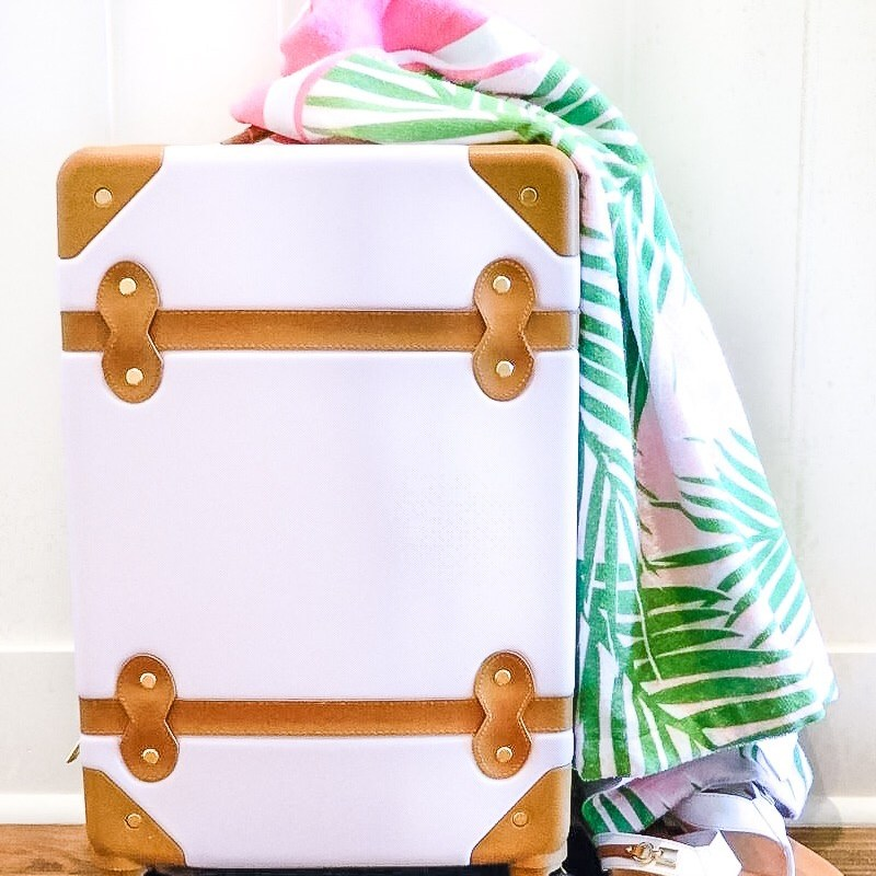 Top 10 Travel Must Haves: The Little Palm Guest Post