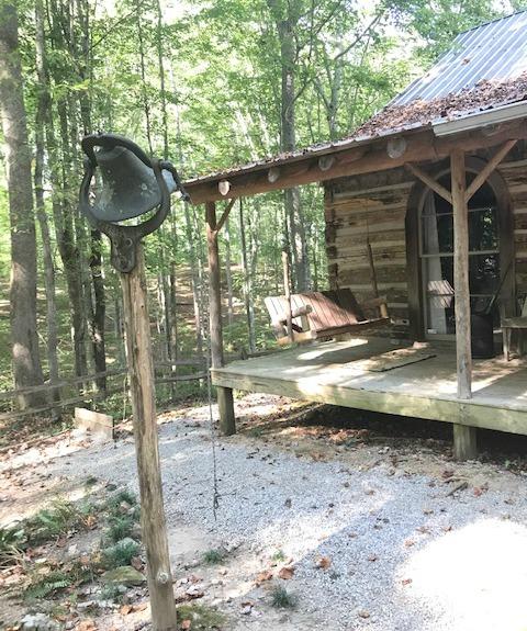 White's Room and Board Centerhill Cabins