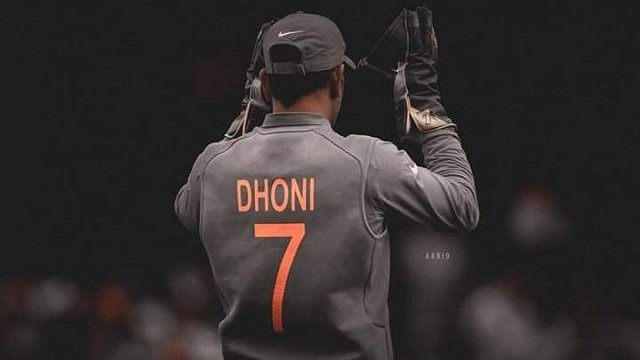 DHONI RETIREMENT | why ms dhoni should not retire here's the reason