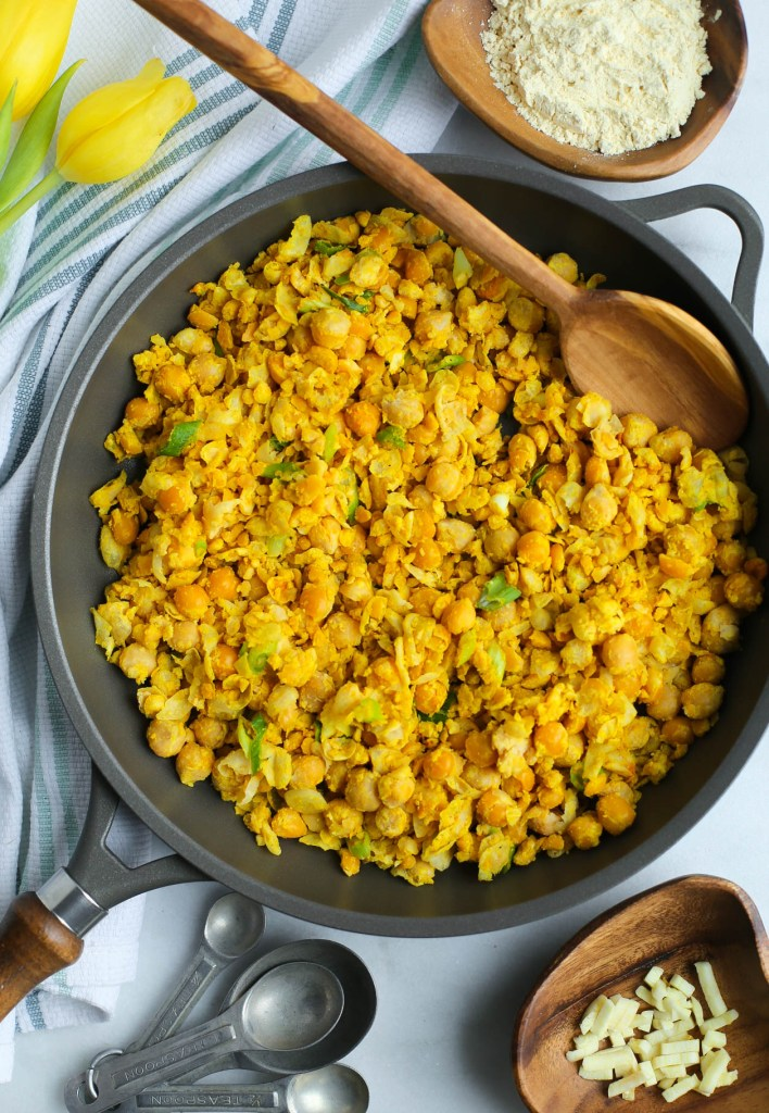chickpea, scramble, breakfast, healthy recipes, vegan, gluten-free, dairy-free, turmeric, miso