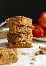 BAKED APPLE CINNAMON OAT SQUARES