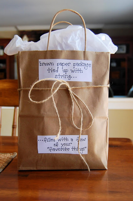 A Few of Your Favorite Things Themed Bag from http://letscountblessings.blogspot.com/2011/06/simple-teacher-gift-idea.html