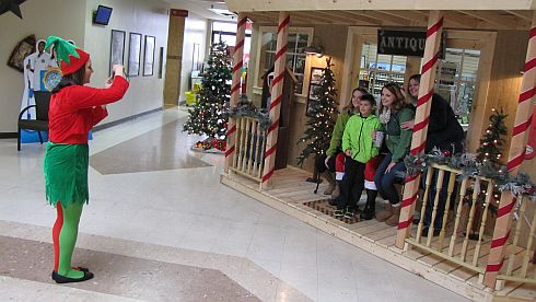 Photo Gallery – 'Breakfast with Santa' at Petro Travel Mall/Iron Skillet Restaurant