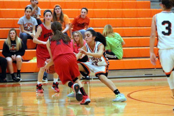 Junior High Girls B-ball Splits with McComb