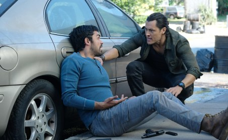 Marcos Diaz (Sean Teale) and Johnny Proudstar (Blair Redford) in The Gifted 1.04 'eXit Strategy'