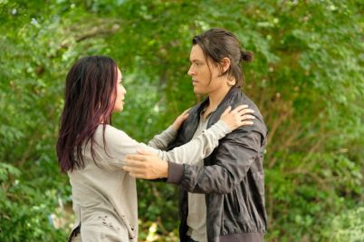 Blink (Jamie Chung) and Thunderbird (Blair Redford) in The Gifted 1.03 'eXodus'
