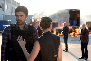 Marcos Diaz/Eclipse (Sean Teale) and Carmine (Michelle Veintimilla) in The Gifted 1.07 'eXtreme measures'
