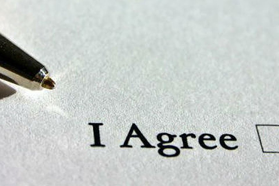 How do I know if a housing contract is legitimate?