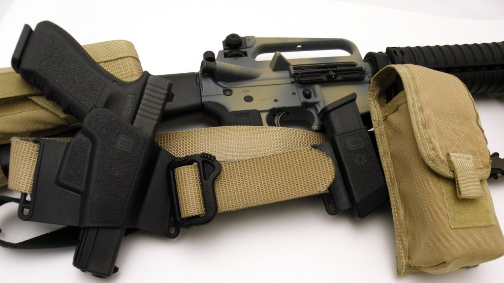 AR15 with Sling Glock 17
