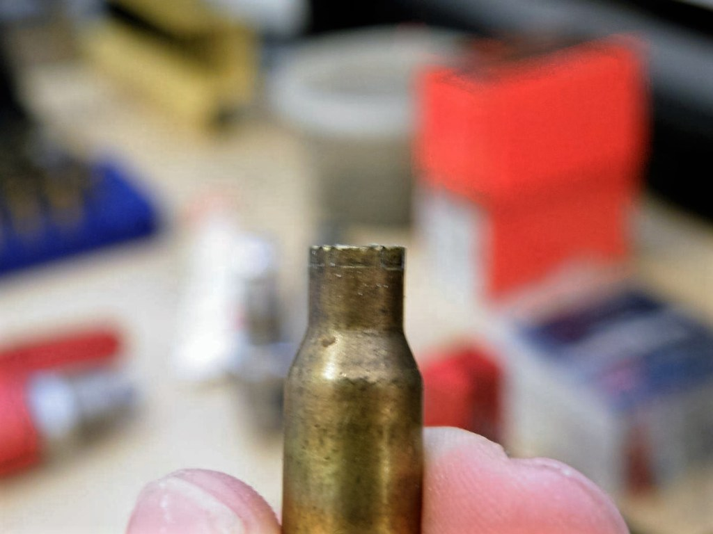 reload-bullets-in-apartment-15