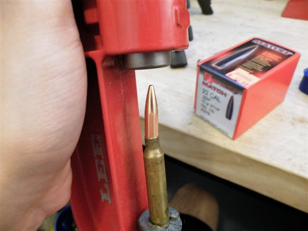 reload-bullets-in-apartment-44