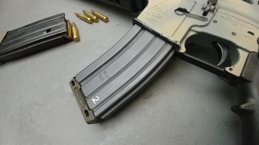 M16A2 AR15 (2)