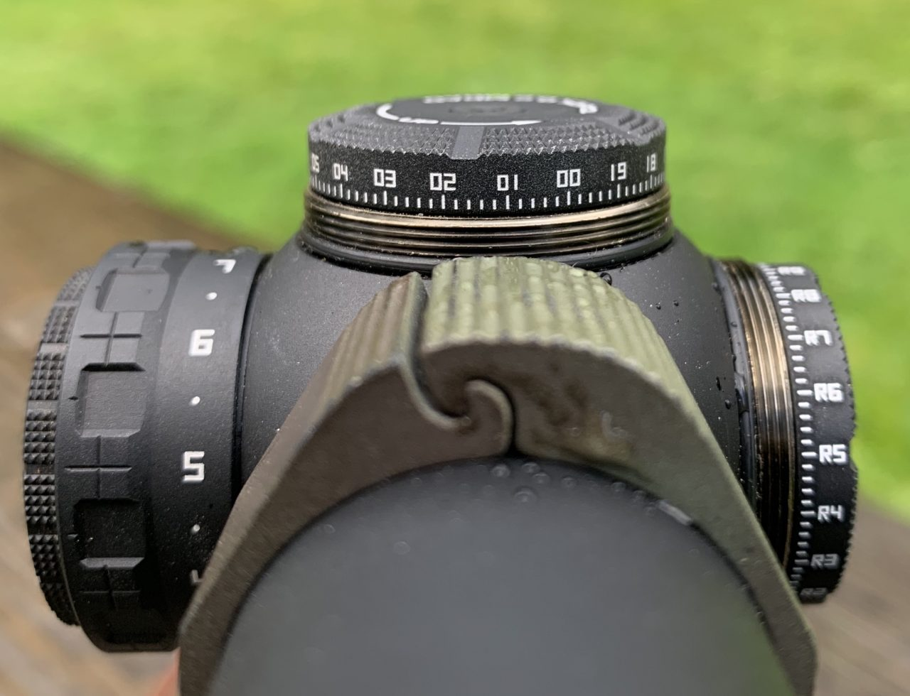 .2 mrad clicks and an off position between each illumination setting