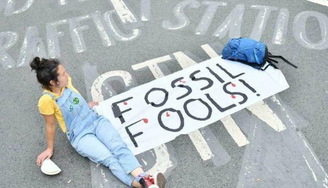 موسمیاتی تبدیلی کے کارکنوں نے حالیہ مہینوں میں ہائی پروفائل احتجاج کا ایک سلسلہ شروع کیا ہے۔  اے ایف پی/فائل