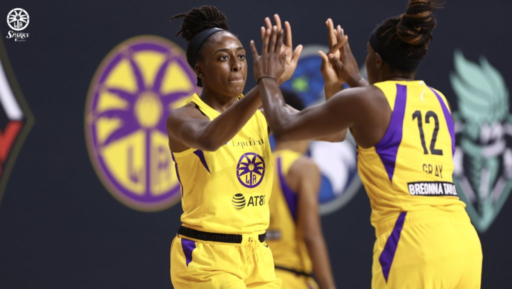 Sparks split a pair of games against potential playoff foes