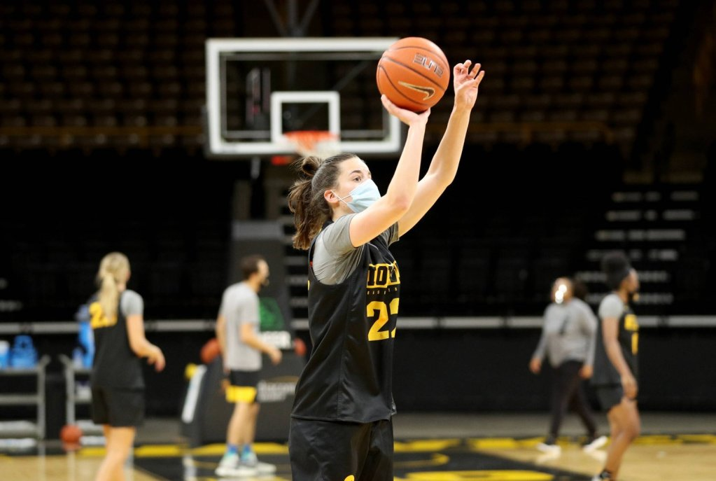 'High school is behind me now': Iowa's freshmen adjust to the college game