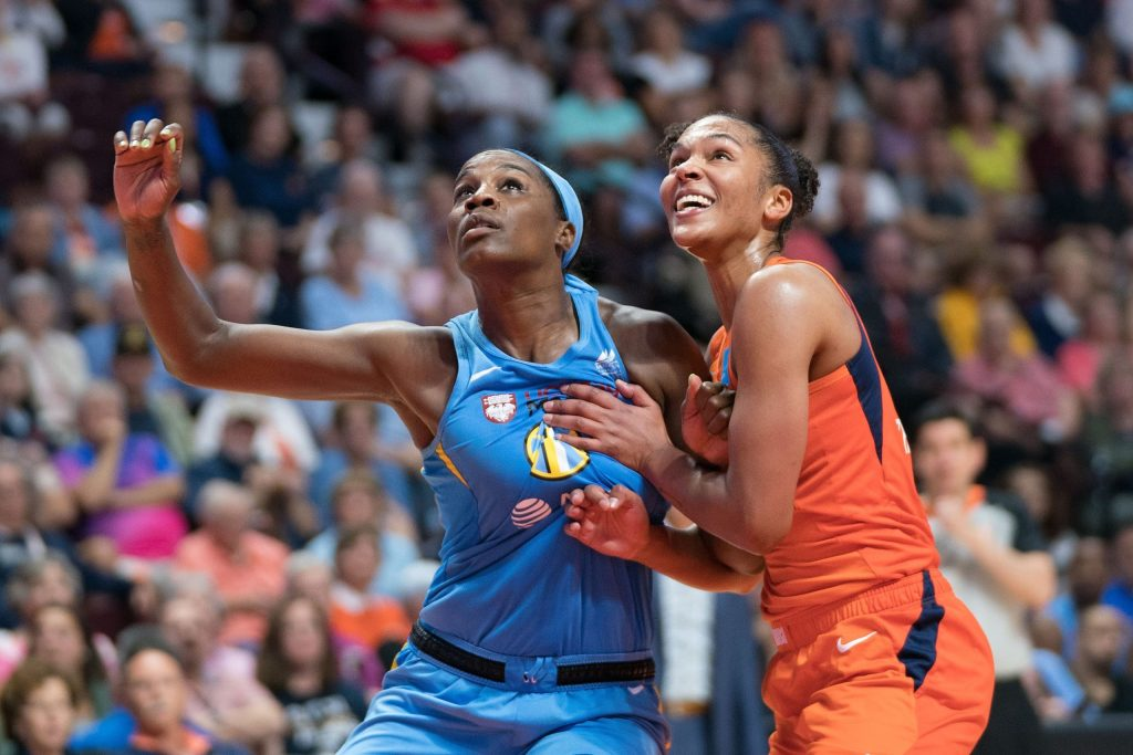 Fever ink Jantel Lavender to a multi-year contract and sign Danielle Robinson