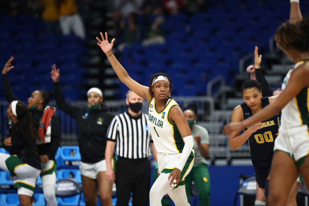 Baylor's NaLyssa Smith refuses to miss — or go home