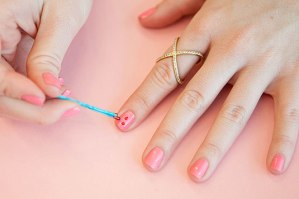 """<img src=""""http://www.thenextrex.com/wp-content/uploads/2015/04/Creative-Ways-to-Use-Bobby-Pins-19.jpg"""" alt=""""nail art using bobby pins"""">"""