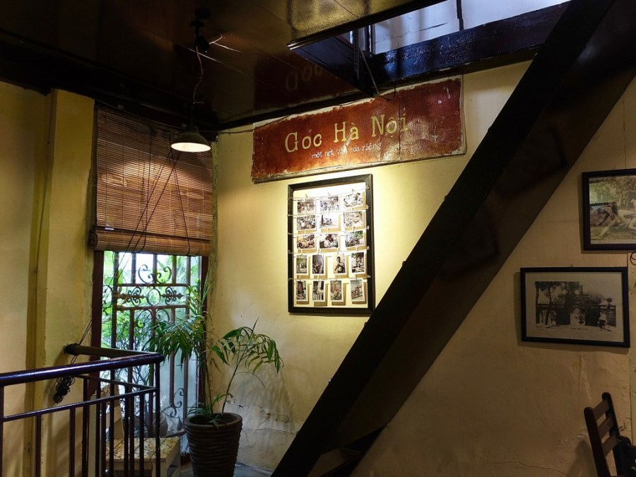interior of coffee shop goc ha noi