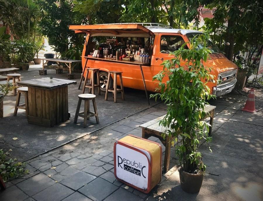 republic coffee van in chiang mai