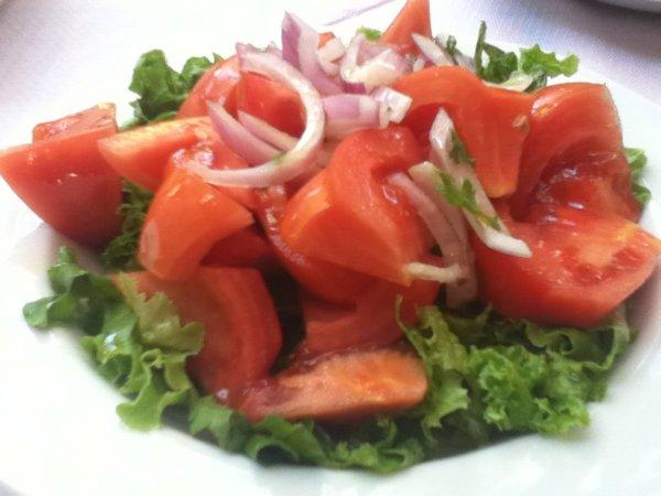Lettuce salad at Taverna Vavitsas, Meteora, Greece