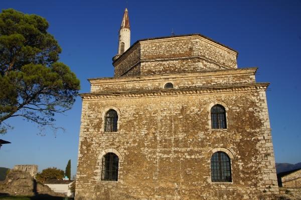 Vegan travel in Ioannina_Ottoman architecture
