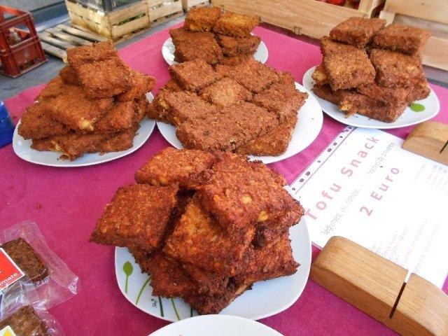 Tofu snacks at the Toulouse organic market