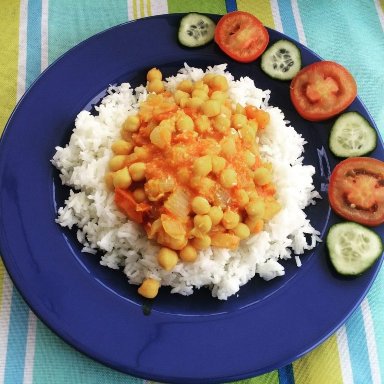 Chickpea coconut curry - Honey House Retreat in Portugal