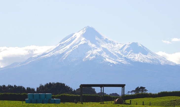 Mount Taranaki - North Island, New Zealand - vegan campervan holiday
