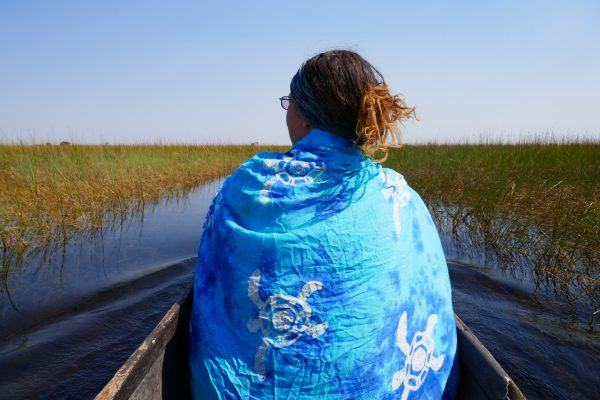 Cruising through the Delta in a mokoro - vegan guide