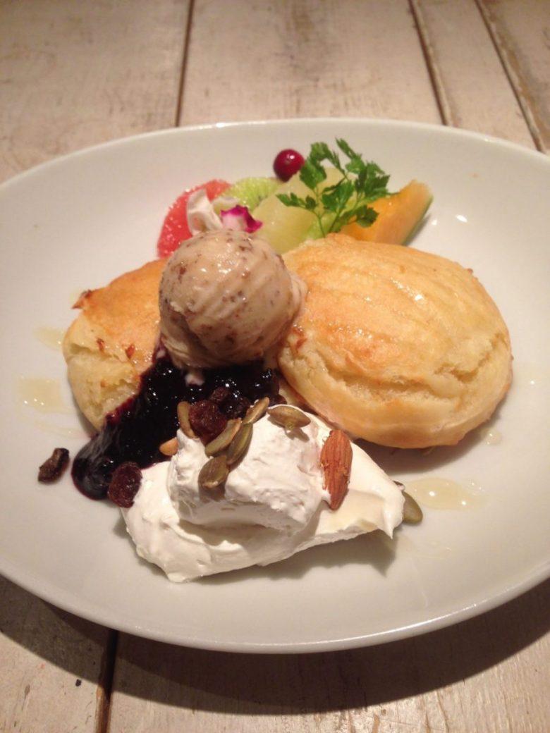 Heavenly pancakes at Ain Soph Journey - vegan in Japan
