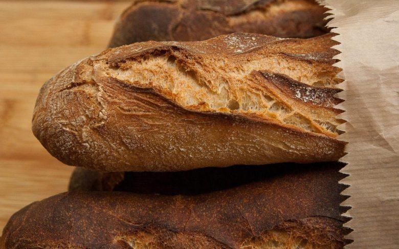 Bread - vegan travel food ideas