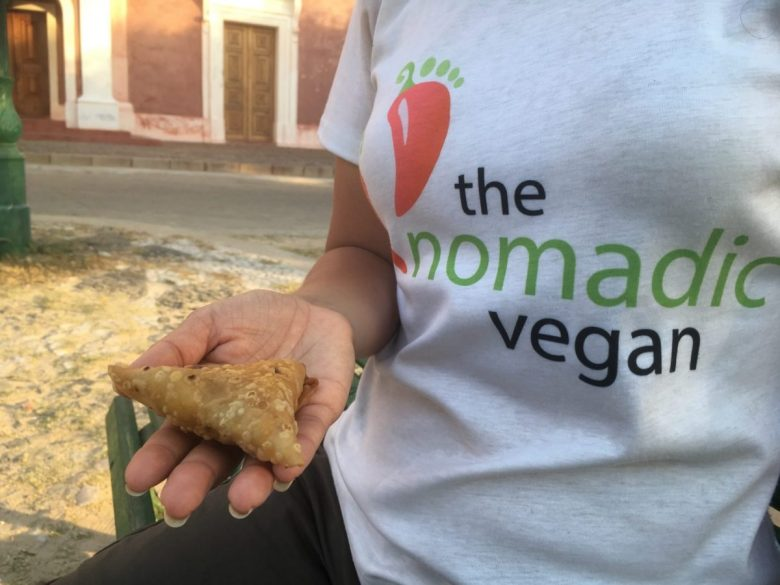 chamuças - samosas - tasty African food
