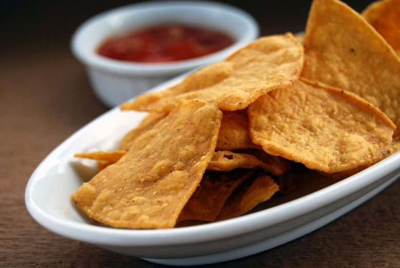 Totopos - Mexican chips with salsa