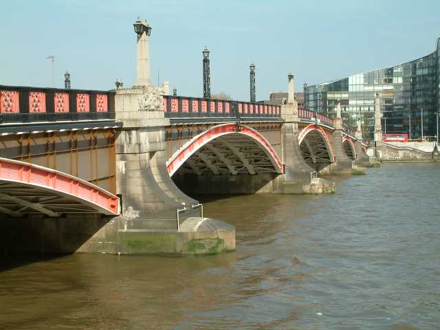 Lambeth Bridge - Harry Potter Sights in London