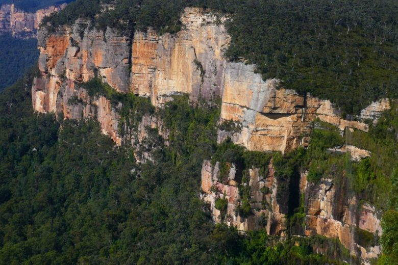 The mid-late morning view of the closest sandstone cliffs to Govett's Leap