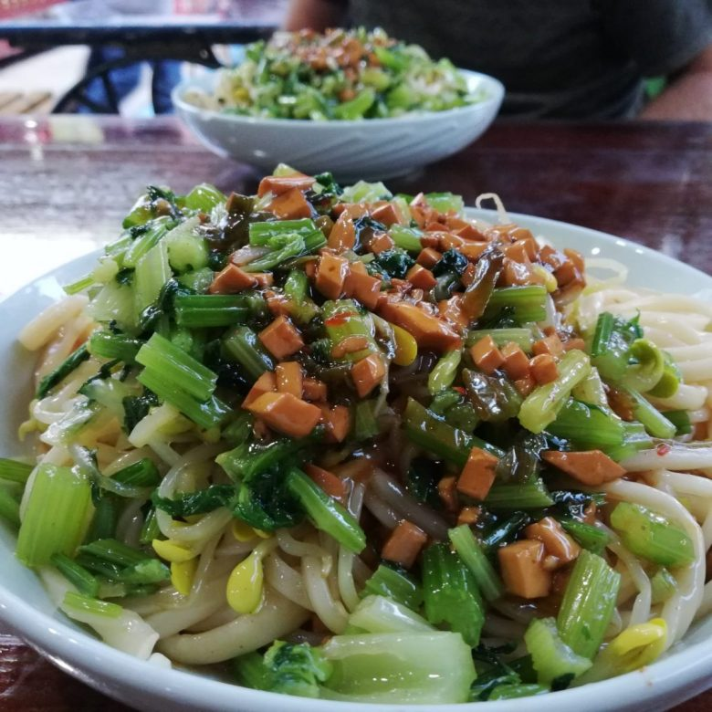 Vegan la mian (pulled noodles) in Zhangye