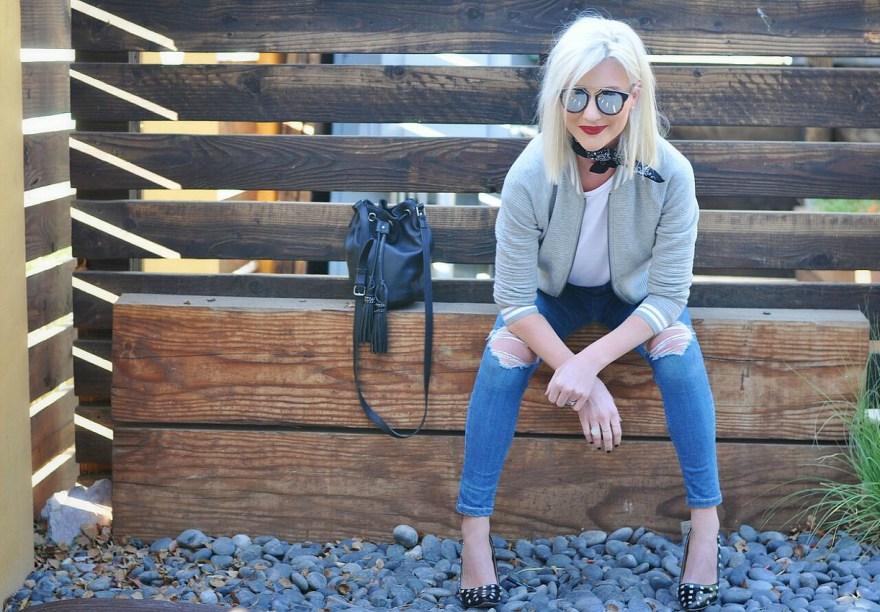 cropped-skinny-jeans-bomber-jacket-the-nomis-niche-topshop-lindsey-simon-las-vegas-fashion-blogger-tshirt-and-jeans-bandana-2