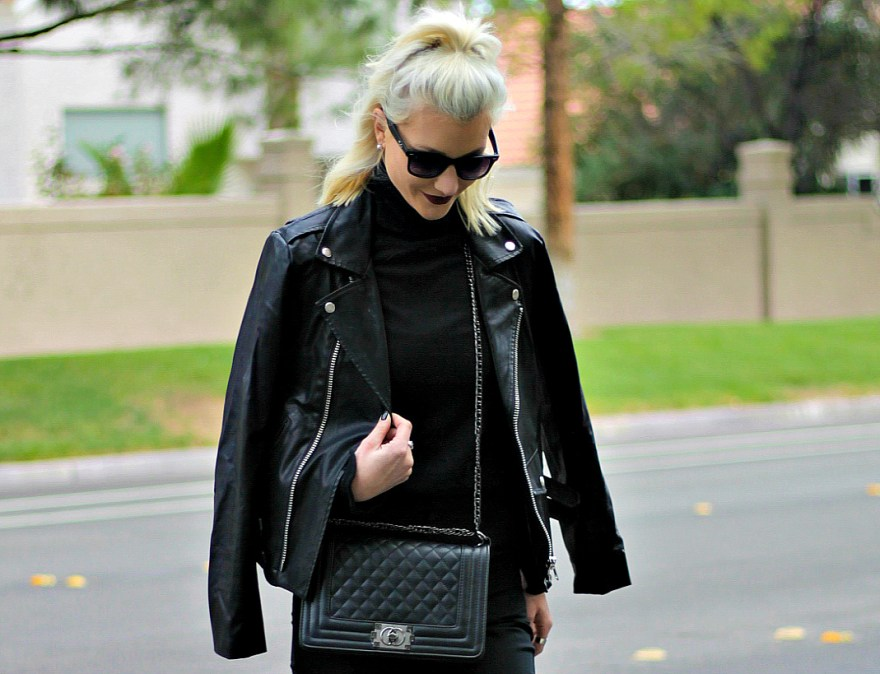 kick-flares-turtleneck-fall-fashion-mules-the-nomis-niche-lindsey-simon-las-vegas-fashion-blogger-6